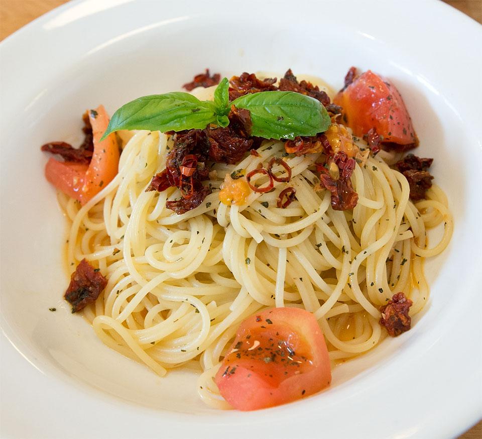ドライトマトのペペロンチーノ