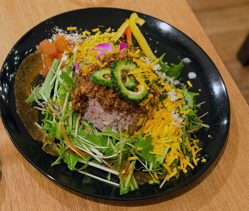島野野菜と島豆腐入ミートのタコライス