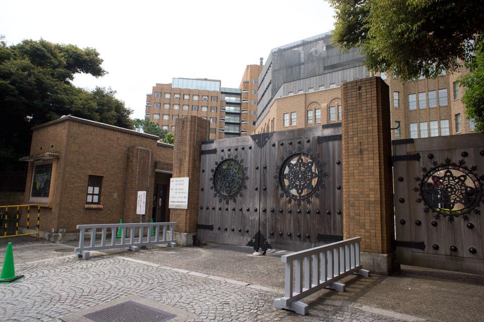 東京大学弥生門