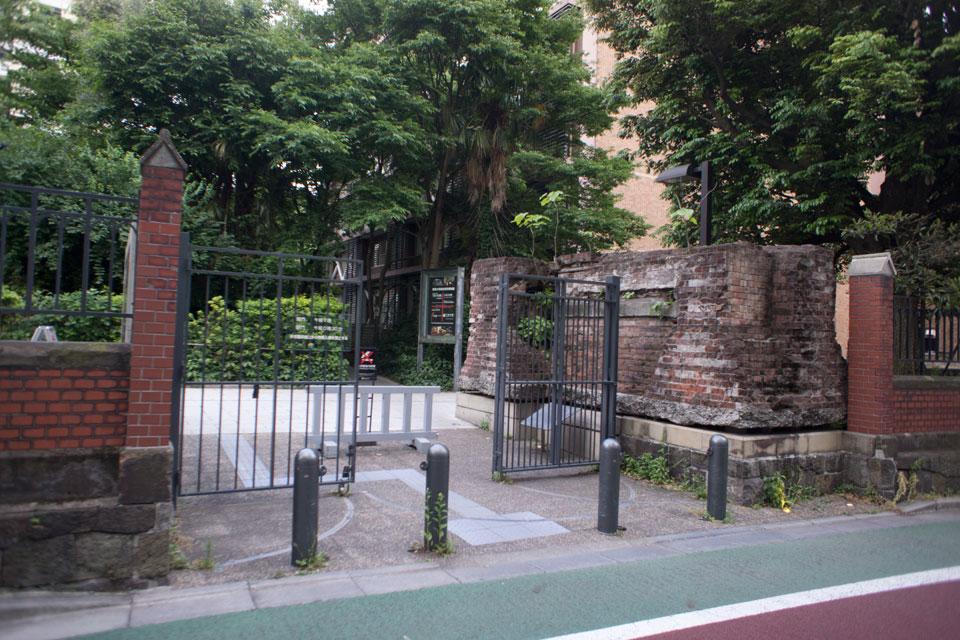 東京大学懐徳門
