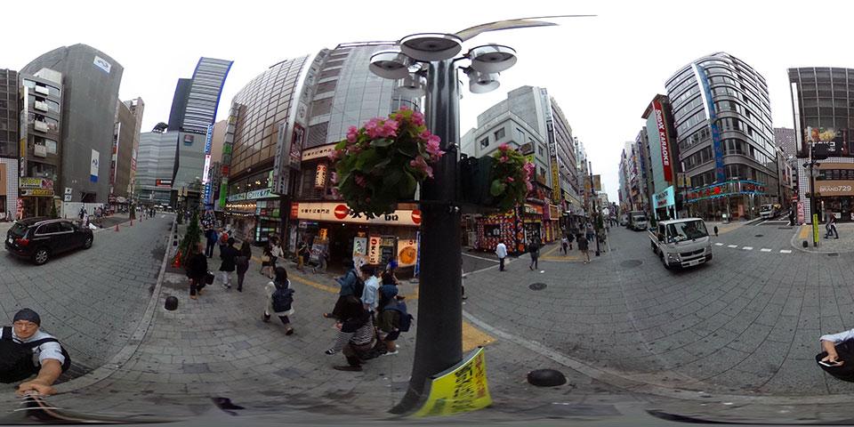 新宿歌舞伎町にて