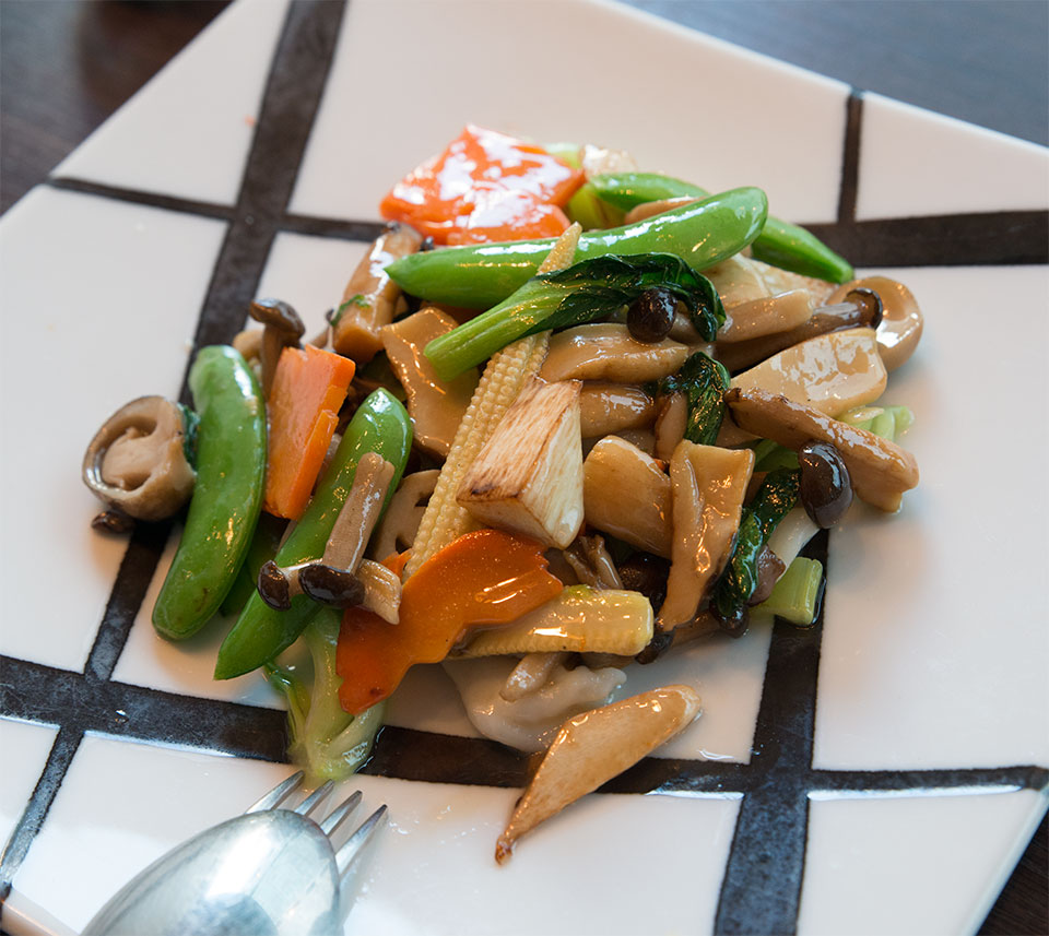 三種海鮮と野菜の塩炒め