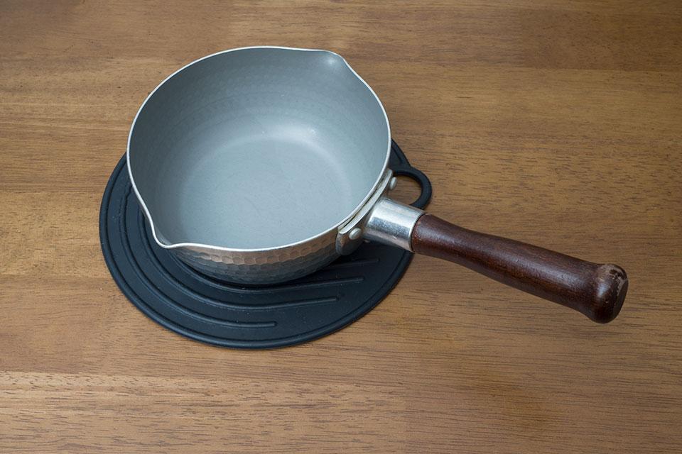 アルミ製の雪平鍋