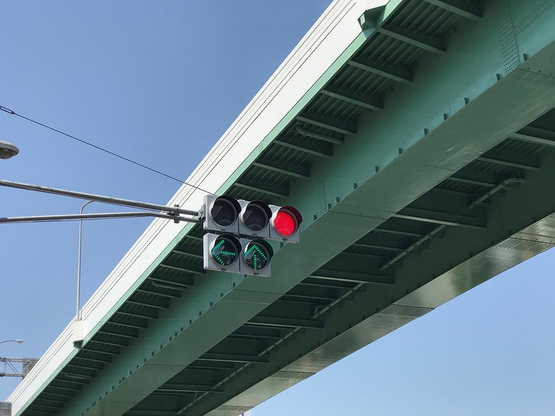 2方向矢印の信号機