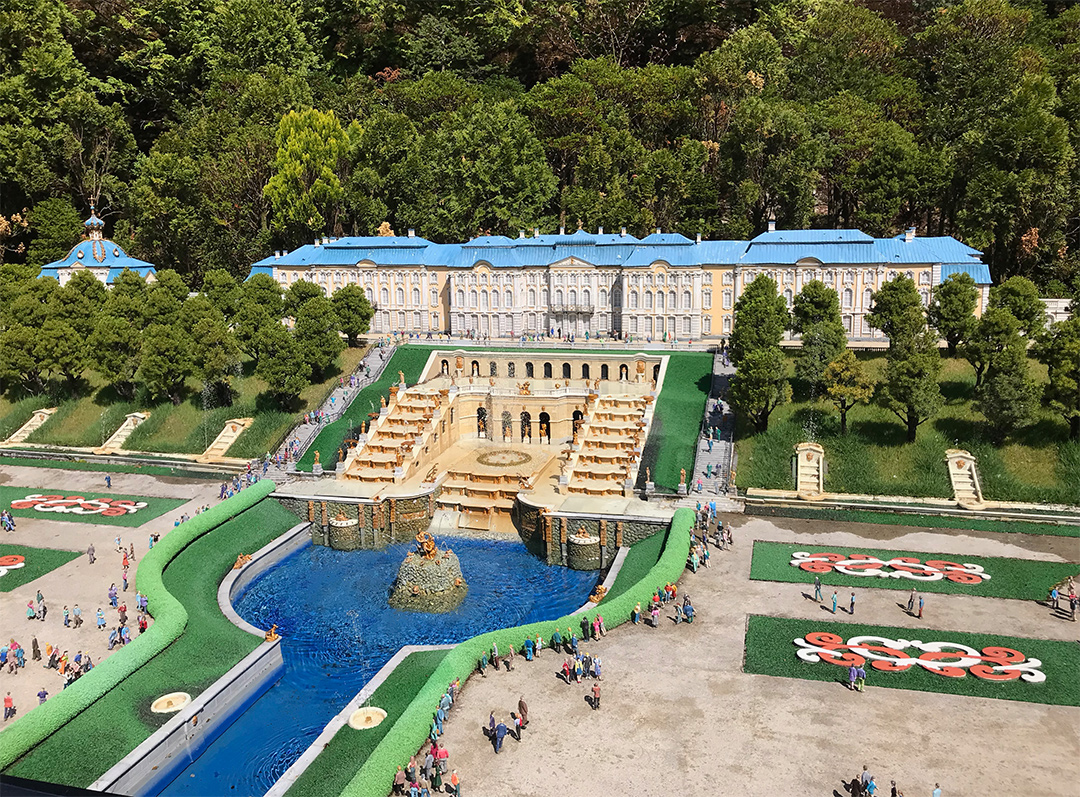 ピョートル噴水宮殿